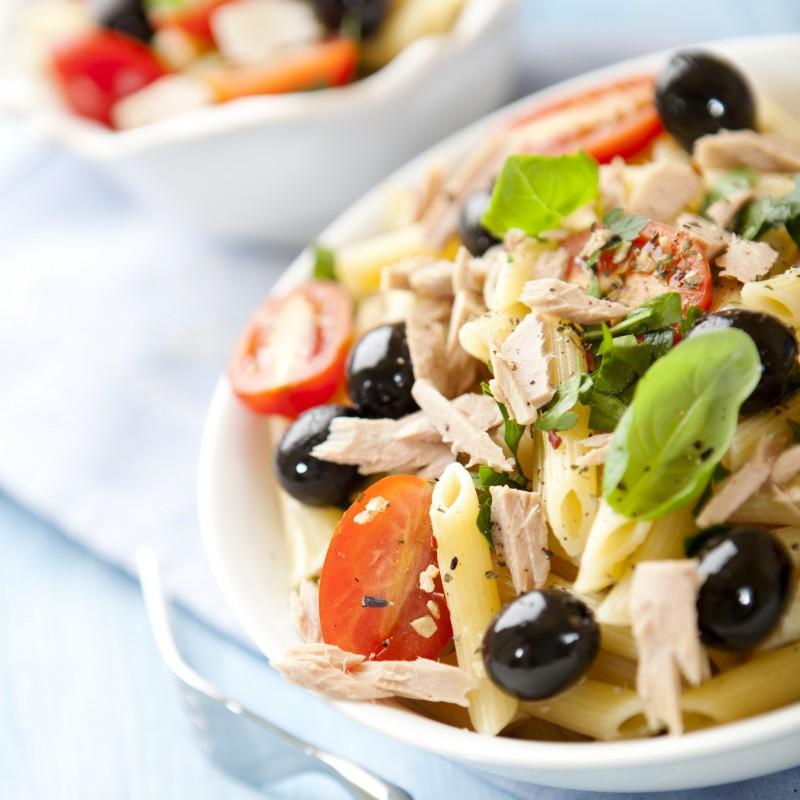 Salade Pâte, poisson, viandes, légumes